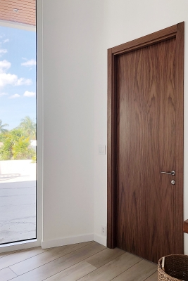 Image Unica Interior Door American Walnut 2